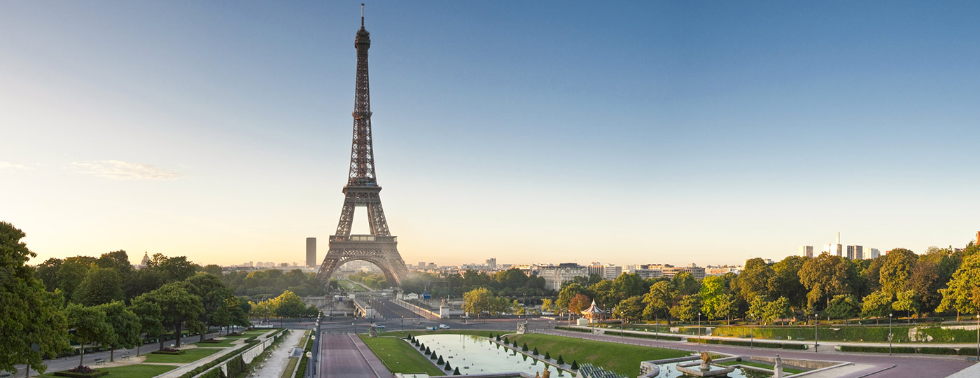 Visit Paris' greatest sites from your hotel in Champ de Mars.