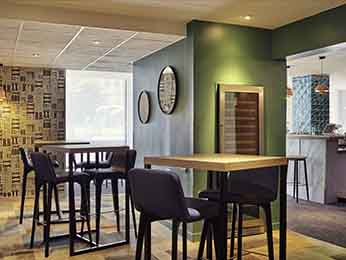 restaurante caf bar no hotel hotel mercure paris porte d 39 orl ans em montrouge. Black Bedroom Furniture Sets. Home Design Ideas