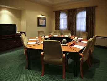 Business hotel for your meetings at the mercure johannesburg randburg hotel hotel in johannesburg - Mercure hotel head office ...